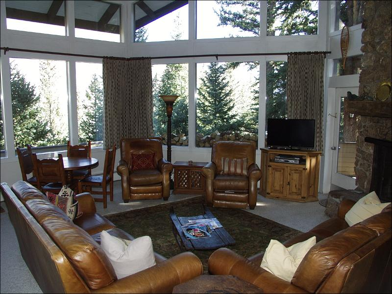 Spacious Living Room with Stone Fireplace and HD TV - Walk to Lift/Ski-In - Gore Range Views (2805) - Vail - rentals