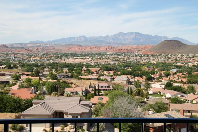 """Cliff-Hanger's View"" 2 Bedroom Condo on the Rim at Las Palmas Resort - Image 1 - Saint George - rentals"
