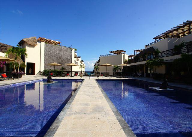 GREAT CONDO just steps from the enchanting turquoise water - Image 1 - Playa del Carmen - rentals