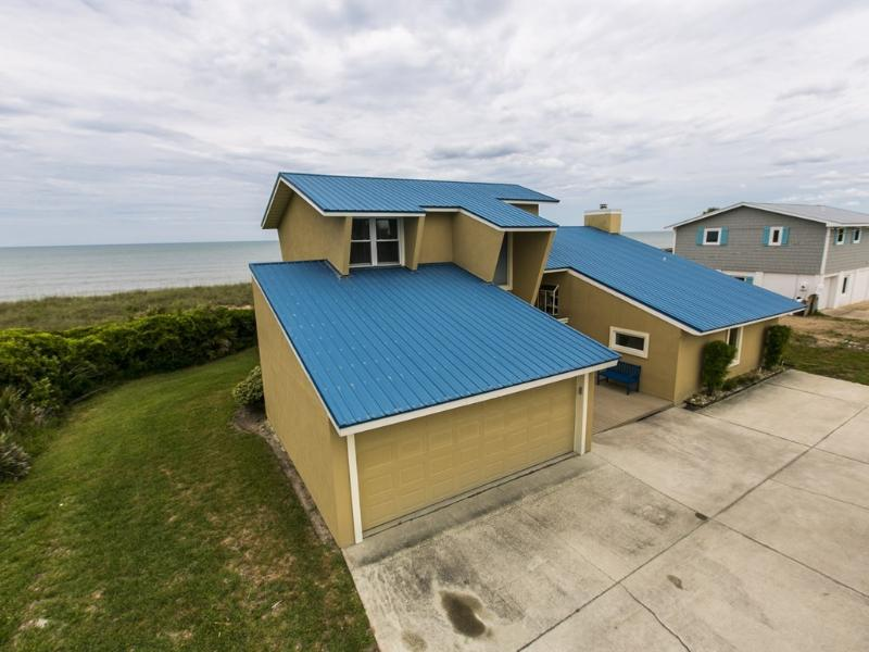 """Welcome to """"Sandy Toes"""".  Where the ocean is your back yard! - """"Sandy Toes"""" is a 5/3 beach house with a hot tub! - Ponte Vedra Beach - rentals"""