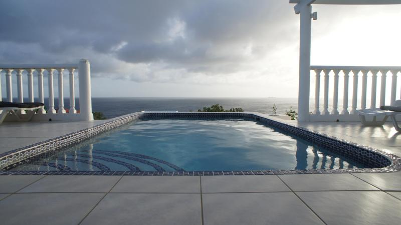 Yes! - Bonbini Villa-WINTER SALE! Big sky views and sunsets over the water!  Private! - Willibrordus - rentals