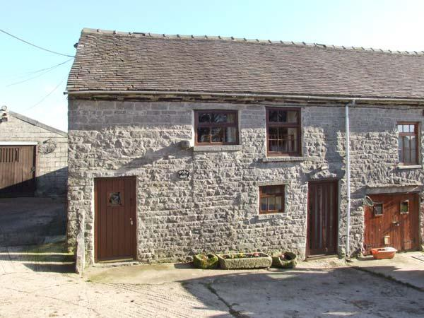 STABLE BARN, pet-friendly farm cottage, close walking and cycling, Wetton Ref 918083 - Image 1 - Wetton - rentals