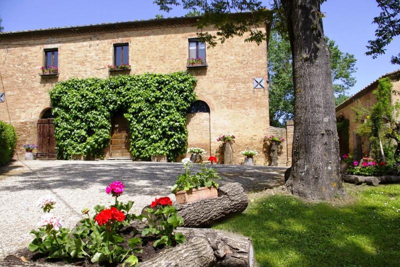 Casale San Martino - Image 1 - Monteroni d'Arbia - rentals