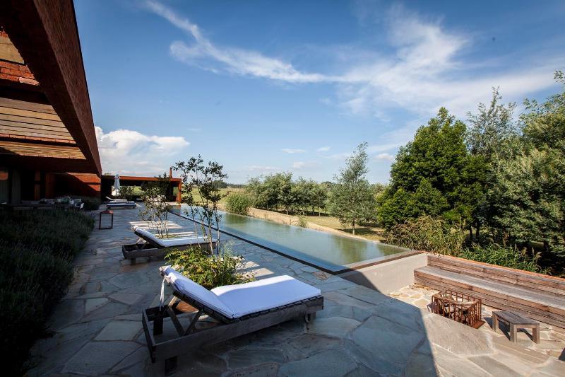 Amazing 4 Bedroom Home near La Barra - Image 1 - Punta del Este - rentals