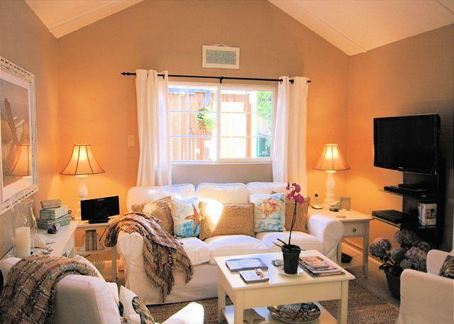 "Welcome to ""Seashell Guest Cottage""! Newly remodeled quintessential Carmel Cottage. Beautifully furnished by professional designer. - 3264 Sea Shell Guest Cottage ~ Walk to Town, Charming! - Carmel-by-the-Sea - rentals"