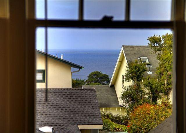 3344 The Gingerbread House Guest ~ Plush Beds, Full Kitchen, Walk to Downtown - Image 1 - Pacific Grove - rentals