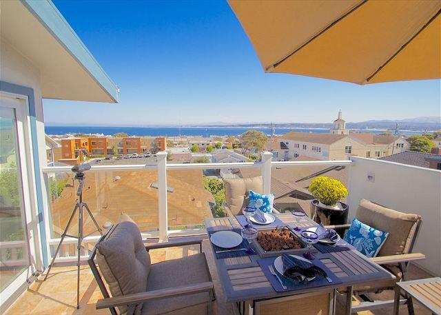 "Welcome to ""The Hawthorne Penthouse""! Beautiful View of Monterey Bay. - 3614 Monterey Penthouse ~ Romantic City Lights, Ocean Views, Sunrises - Monterey - rentals"