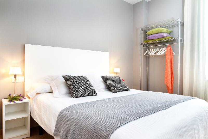 Pelai Apartment - Image 1 - Barcelona - rentals