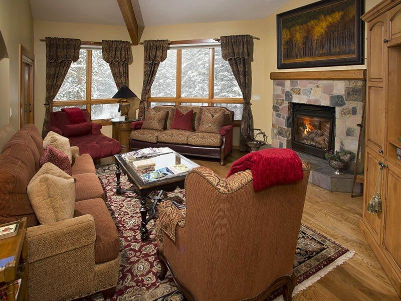 An easy walk to the Chair Lift #20 from this gorgeous vacation condo in Vail along Gore Creek. - Image 1 - Vail - rentals