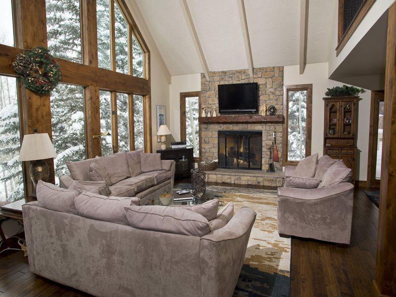 Enjoy this beautiful 5 bedroom Vail vacation home located near Lift 20 at the base of Vail Mountain. - Image 1 - Vail - rentals