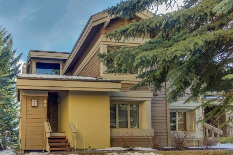 Beautiful Sun Valley escape w/ access to shared pool, hot tub, and sauna - Image 1 - Sun Valley - rentals