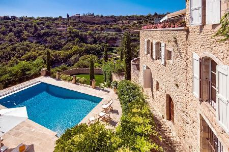 Superb Family-Friendly Village House Vigne Vierge with Panoramic Views & Outdoor Dining - Image 1 - Luberon - rentals