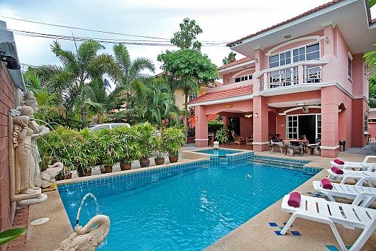 Deluxe 5 bed villa at Jomtien beach - Image 1 - Bang Lamung - rentals