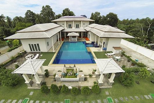 Majestic 7 bed pool villa at Huay Yai - Image 1 - Bang Lamung - rentals