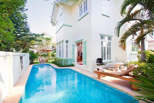 Family 3 bed pool villa 1km from beach - Image 1 - Jomtien Beach - rentals