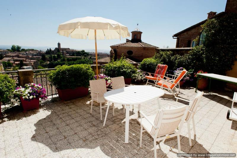 Il Palazzino Siena apartment rental in the heart of town, apartment to let Siena, Tuscan apartment to rent - Image 1 - Siena - rentals