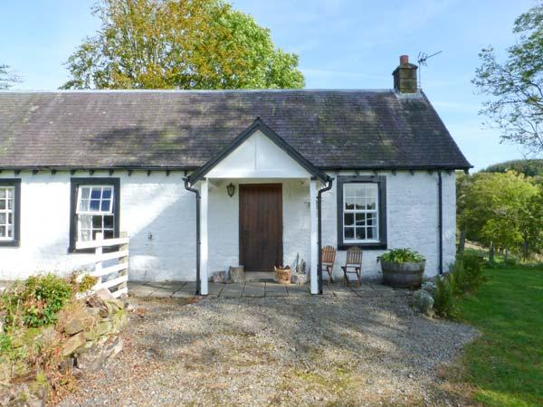 HOLMFOOT COTTAGE, pet-friendly cottage  with en-suite faciltiies, traditional decor, ground floor cottage near Canonbie, Ref. 905937 - Image 1 - Canonbie - rentals