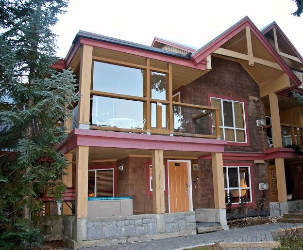 Welcome to our 2 Bedroom 2 Bath Townhouse at Glaciers Reach in the heart of Whistler! - Cliff and Katja Raps - Whistler - rentals