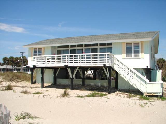 """414 Palmetto Blvd  - """"Lucky Enough"""" - Image 1 - Edisto Beach - rentals"""