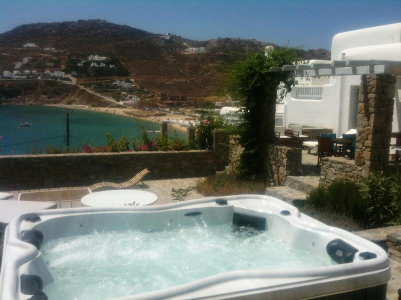 4  Bedroom Private House Bythe Beach With Sea View -(Up To 8 Guests) - Image 1 - Kalo Livadi - rentals