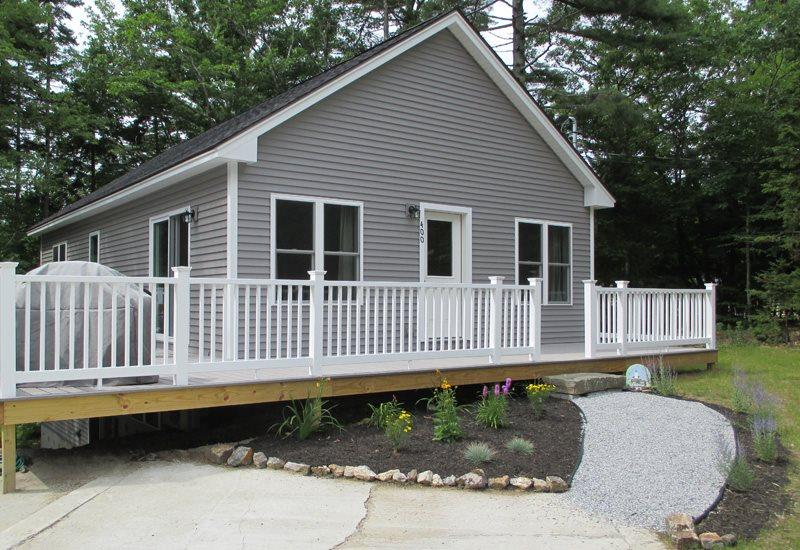 WHITELEYS WHARF | BARTERS ISLAND | LEWIS COVE | PET-FRIENDLY | WATERFRONT WITH DOCK AND FLOAT | OPEN WRAP-AROUND DECK - Image 1 - Boothbay - rentals