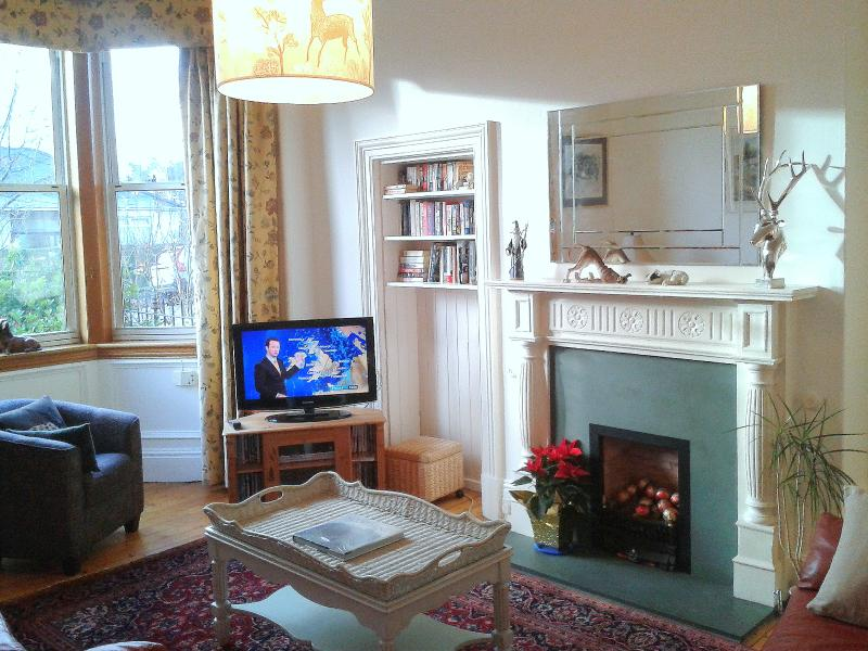 CityCentre House&Garden.Tram stop on street, Wifi+ - Image 1 - Edinburgh - rentals