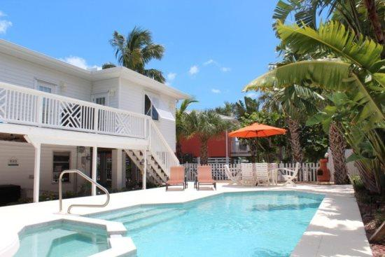 Bella Casa Amazing Gulf View Luxury Home with Chef`s Kitchen -  Bella Casa - Image 1 - Fort Myers Beach - rentals