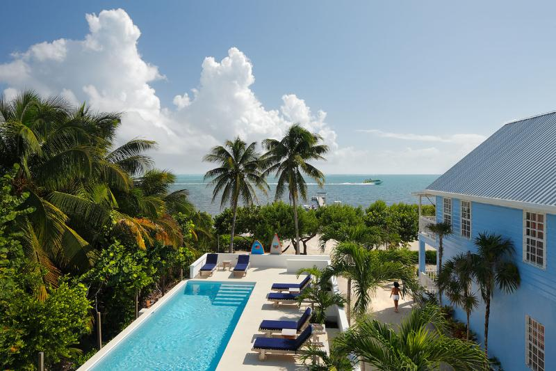 Weezie's Ocean Front Suites w pool, beach and dock - Image 1 - Caye Caulker - rentals