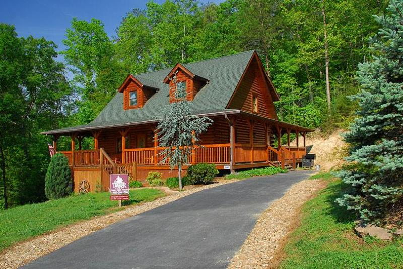 Majestic Hideaway - Image 1 - Sevierville - rentals