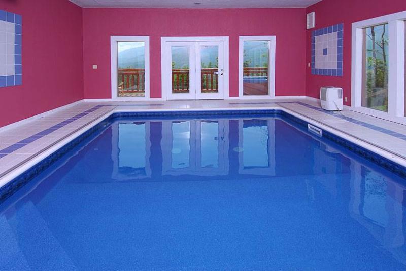 Pool And A View Lodge - Image 1 - Gatlinburg - rentals