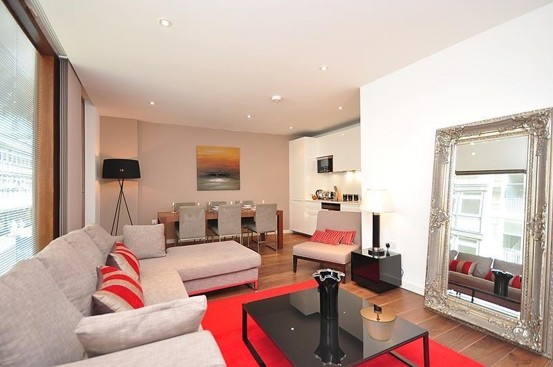 SUPERB LOCATION*STUNNING SUITE*3bed2bath*REFURBISHED*QUIET*CLEAN*SAFE*COVENTGARD - Image 1 - London - rentals