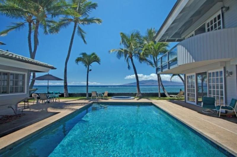 Lahaina Maui beachfront Villas-Walk to town!!! - Lahaina on the beach that sleep up to 18 guests! - Lahaina - rentals