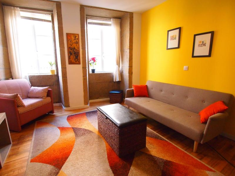 Beautiful Apartment steps from the Cathedral! - Image 1 - Santiago de Compostela - rentals
