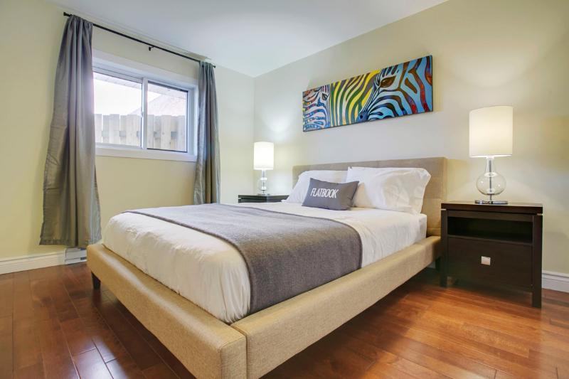Beautiful 1 Br - Sleeps 4 - Image 1 - Montreal - rentals