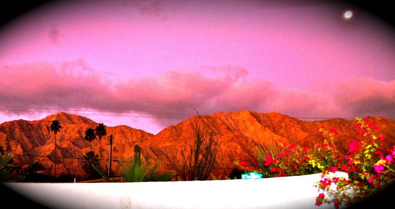 SUNRISE AT CASA HERMOSA YOUR DESERT RETREAT - BEAUTIFUL RETREAT SALTWTR POOL/SPA VIEWS/HIKE/GOLF - La Quinta - rentals
