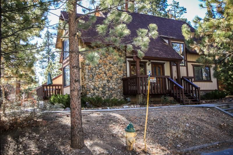 Grumpy Bear Retreat  #1195 - Image 1 - Big Bear Lake - rentals