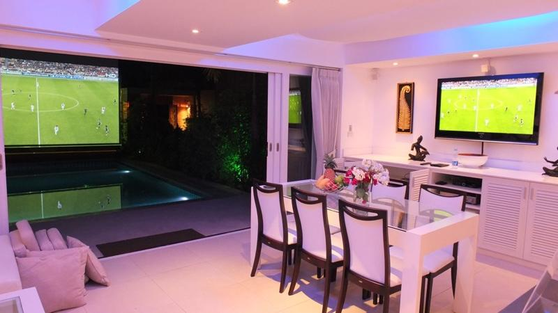 Living area and projector screen (3 meters) at night - Beachside Luxury Villa Chok - Mae Nam - rentals