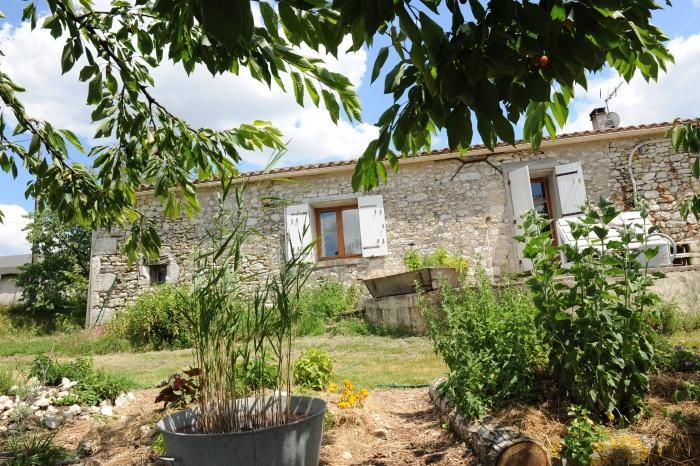 Countryside stone b&b cottage with pool and views. - Image 1 - Loubes-Bernac - rentals