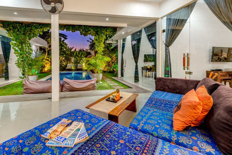 Laze on the comfy soft and watch the fun in the pool - Seminyak VILLA 888 DUA Quiet, 200m from Eat Street - Seminyak - rentals