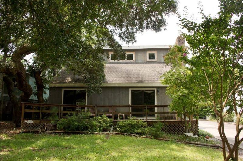 A Good Life 105 SE Middleton Street - Image 1 - Oak Island - rentals