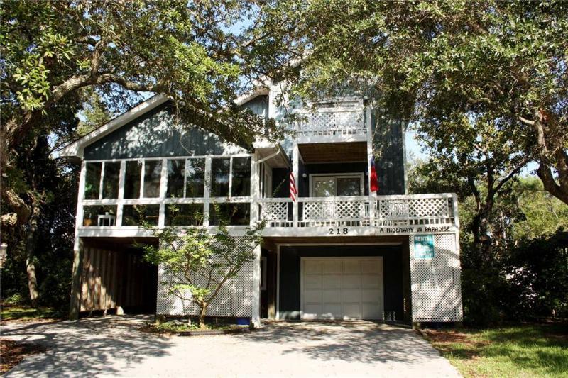 A Hideaway In Paradise 218 Keziah Street - Image 1 - Oak Island - rentals