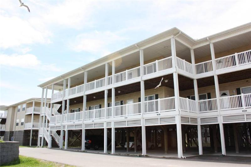 A Reel Respite #2102 120 SE 59th Street - Image 1 - Oak Island - rentals