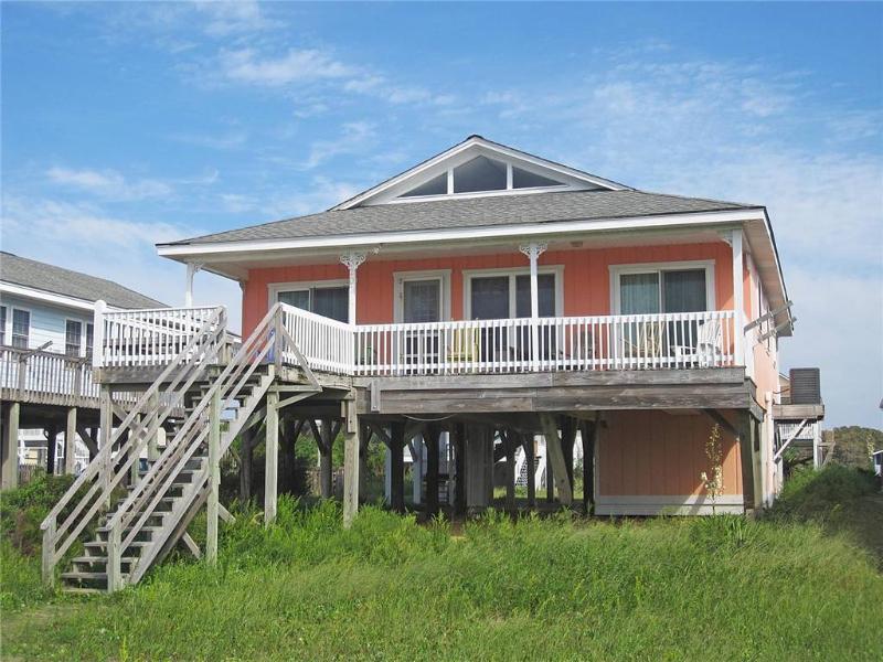 A Summer Fling 3207 East Beach Drive - Image 1 - Oak Island - rentals