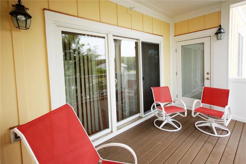 Beach Retreat #106 700 Ocean Drive - Image 1 - Oak Island - rentals