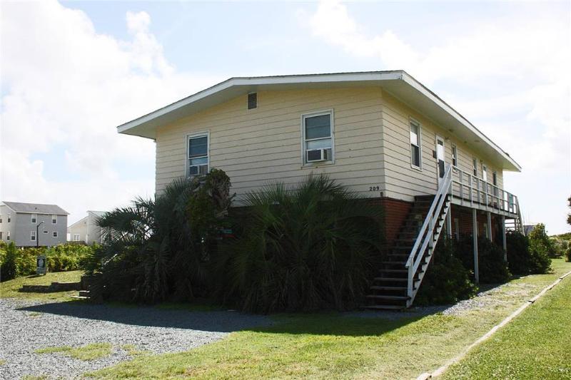 Casa Del Sol #4 209 SE 77th Street - Image 1 - Oak Island - rentals