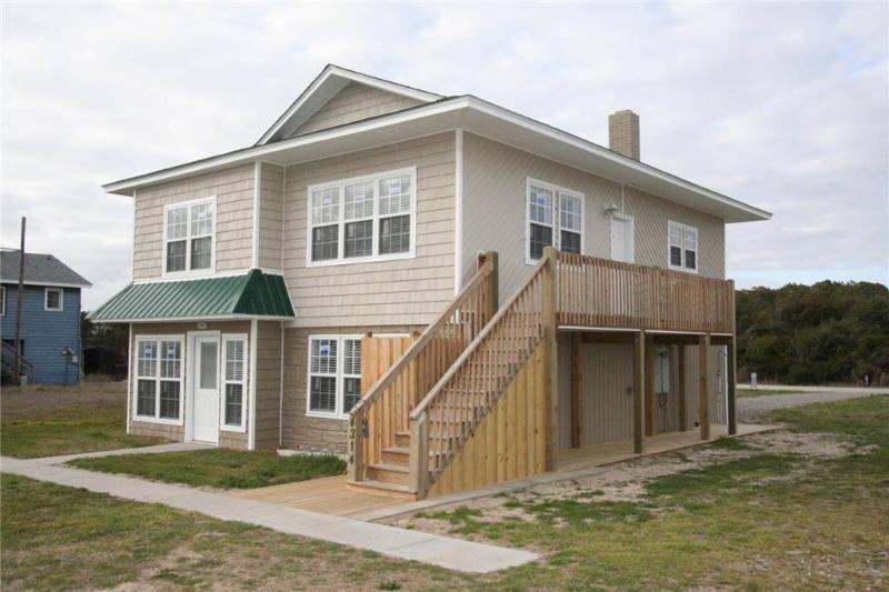 Coastal Breeze 4314 East Beach Drive - Image 1 - Oak Island - rentals