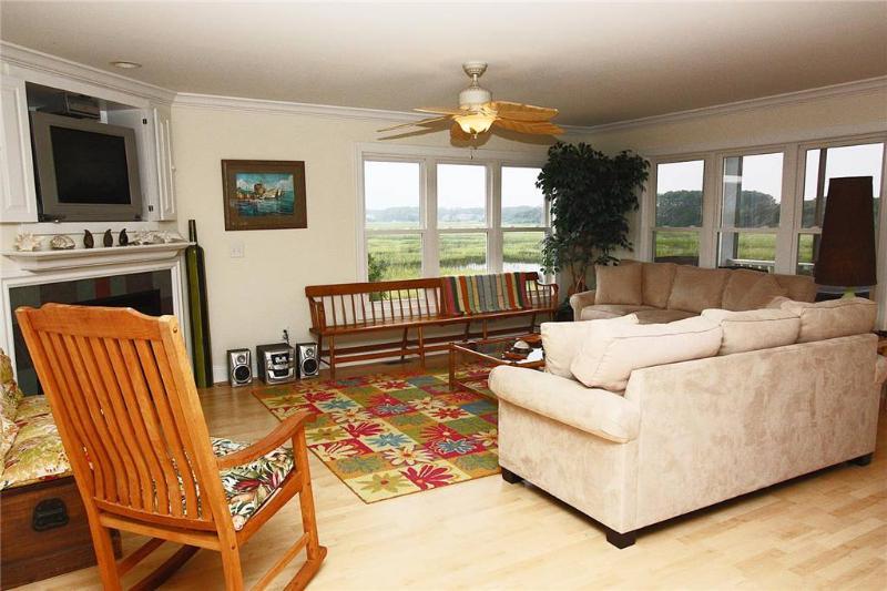 Coastal Living 1006 West Pelican Drive - Image 1 - Oak Island - rentals