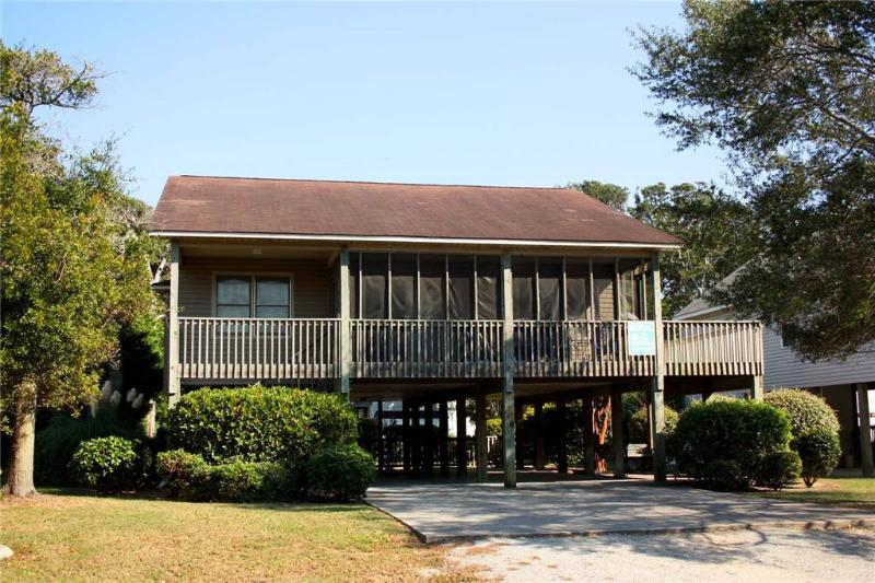 Hang Time 106 SE 56th Street - Image 1 - Oak Island - rentals