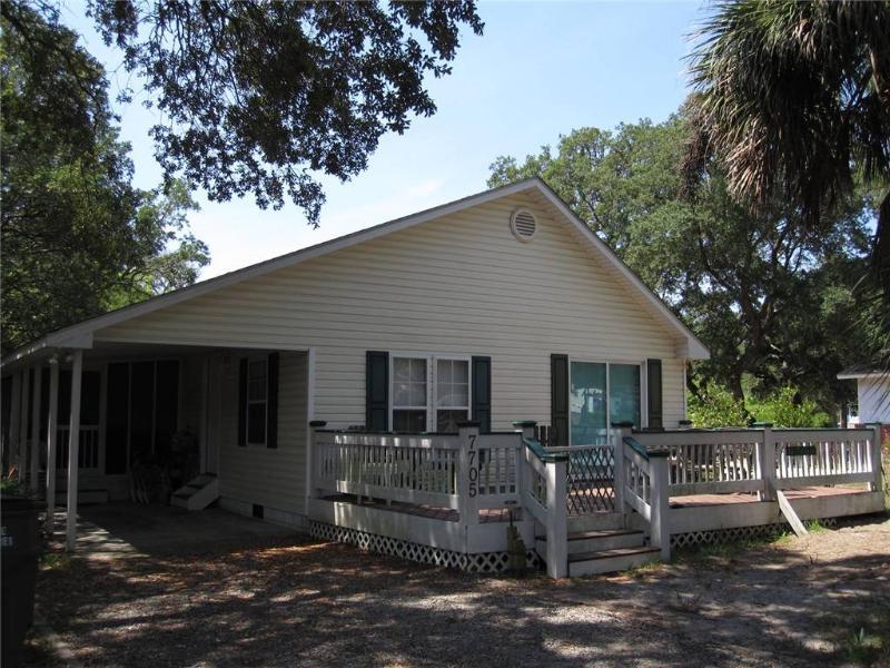 Heavenly Days 7705 East Oak Island Drive - Image 1 - Oak Island - rentals