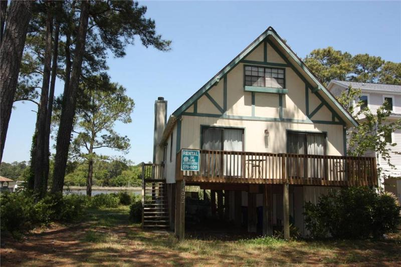 Waterway Chalet 4002 East Yacht Dr - Image 1 - Oak Island - rentals